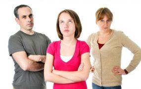 با بداخلاق های غیرمنطقی پدر مادر چه کنیم؟